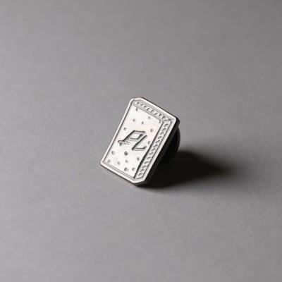 Значок (пин) Plastikmag в магазине Rollbay.ru